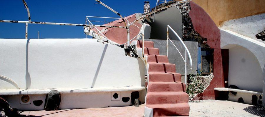 earthquake-203058_960_720