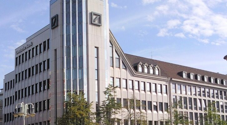 deutsche-bank-50084_960_720