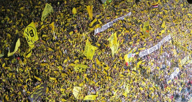 bvb-football-fans-797383_960_720