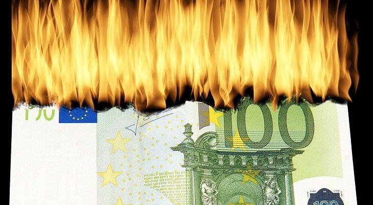 burn-money-1463224_960_720