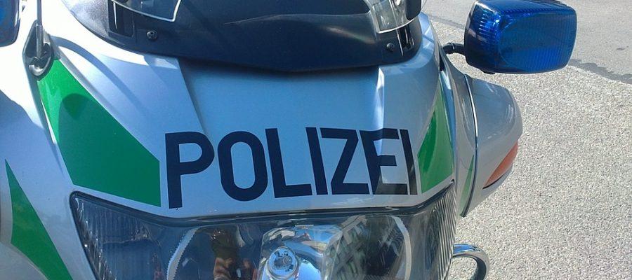 polizeimotorrrad-327900_960_720