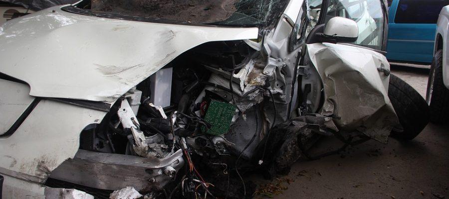 car-accident-1921349_960_720