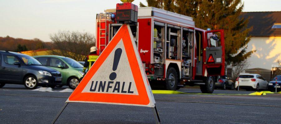 unfall-polizei-accident-1645221_1280