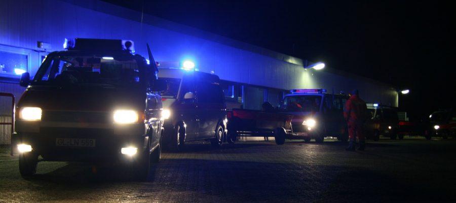 polizei-rettungswagen-use-386675_1280