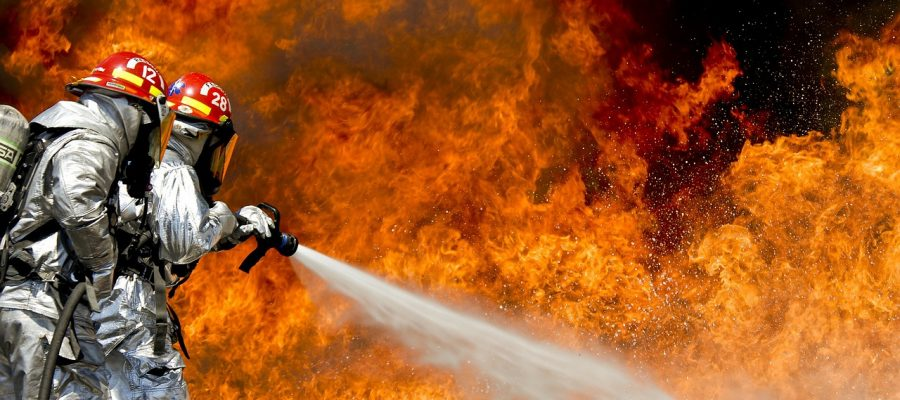 firefighters-115800_1280
