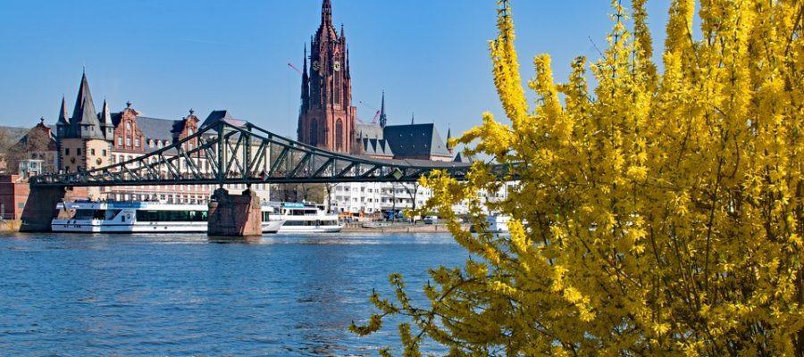 frankfurt-2195288_960_720-eiserner steg