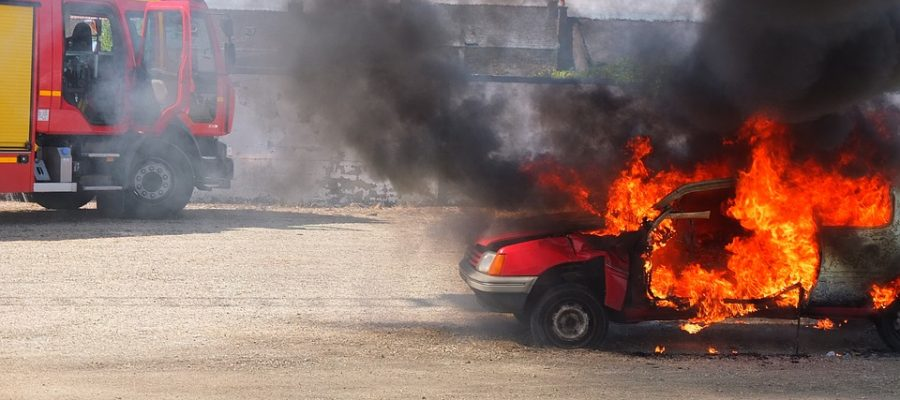 autobrand-feuer-fire-car
