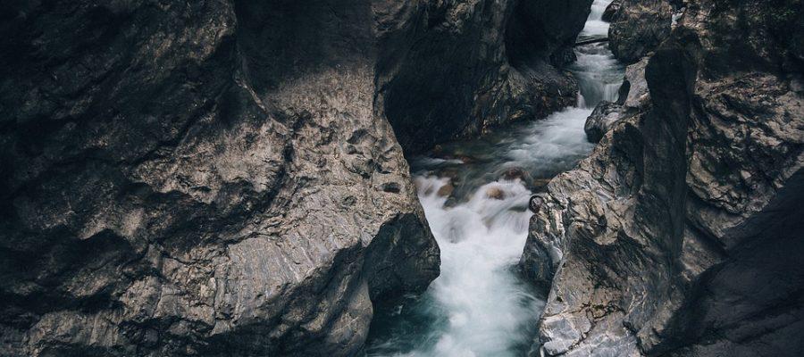 creek-1149639_960_720-schlucht