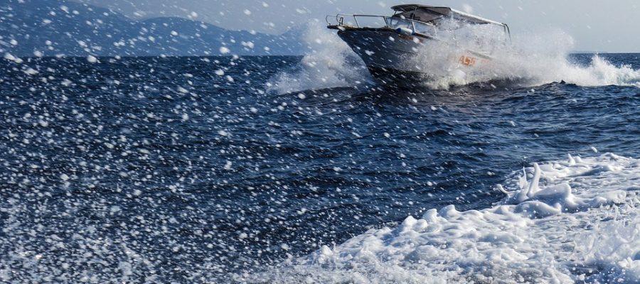 speedboat-1608042_960_720